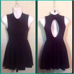 Dresses & Skirts - 🌈3 for $15⭐️ Little Black Diamond Back Dress